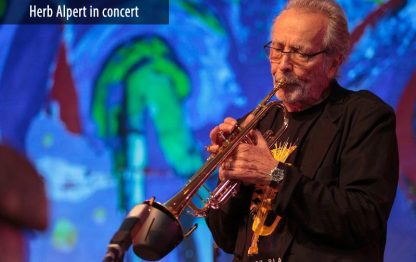 Herb Alpert and Lani Hall in concert with Soulo Mute, bucket mute